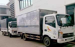 Xe tải chở hàng nội bộ