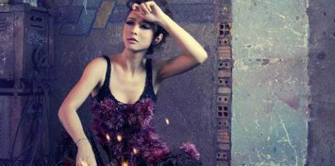 Hoa hậu Jennifer với Máy hàn